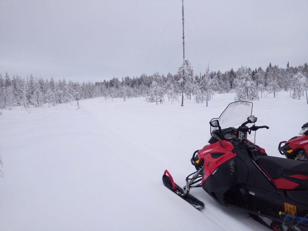 motoneige avec guide Français à Rovaniemi